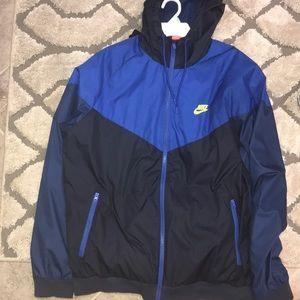 nike windbreaker hoodie